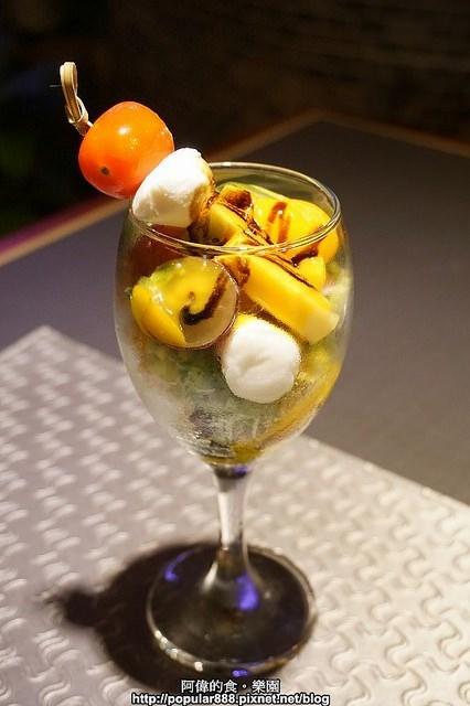 0 ◎水果总汇起司球沙拉 从外型就让人眼睛一亮,阿伟还是第一次吃到图片