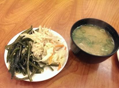 味噌湯、小菜無限取用