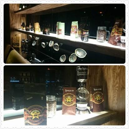 紐西蘭代理的Havana Coffee,同時販售咖啡豆和咖啡器具