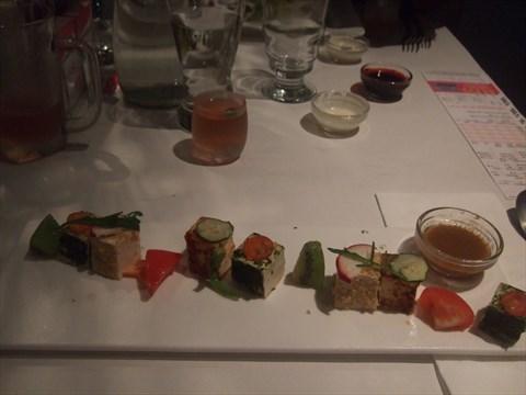 與核桃蕈菇沙拉相較,這道的口味更多元,每一口都是驚喜