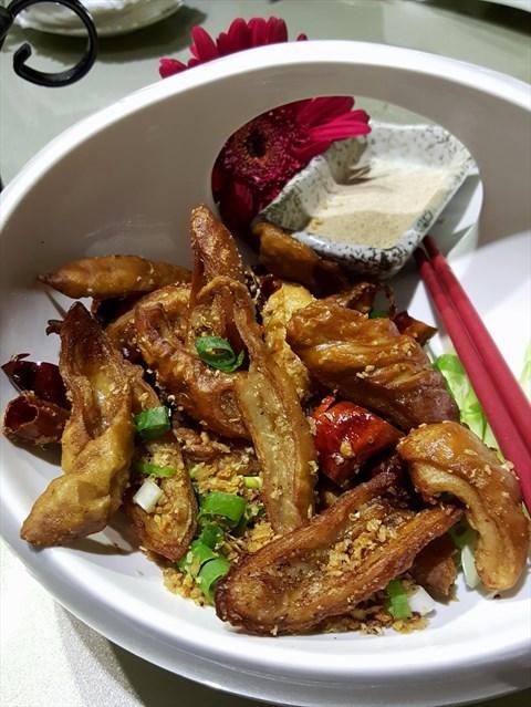 酥炸蒜香肥腸(NT 380)